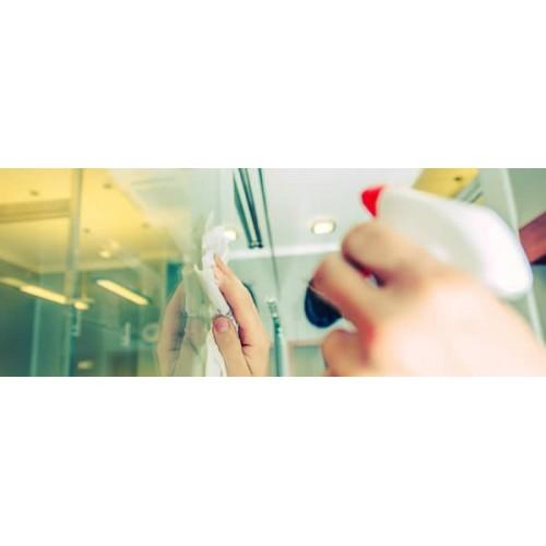 Plexiglass, come pulire il materiale più versatile e trasparente di sempre